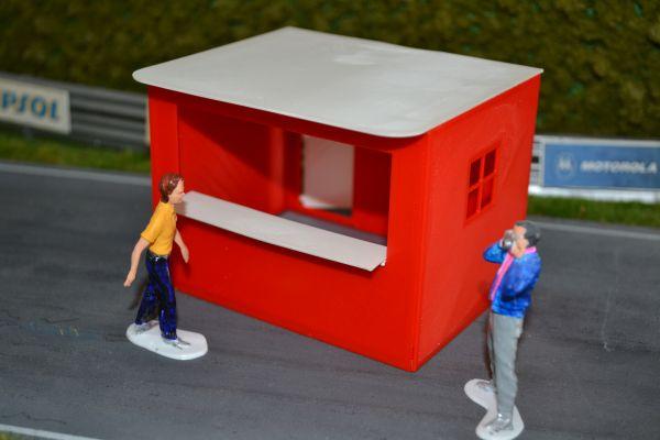 Slot-Store Verkaufsstand 02 Rot-Weiß Bausatz 1:32 SVS132-C